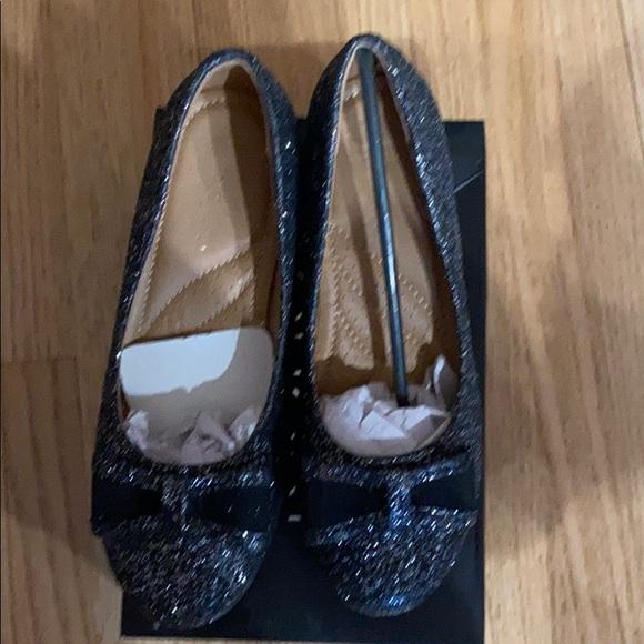 Tahari Shoes | Girls Size 2 | Poshmark